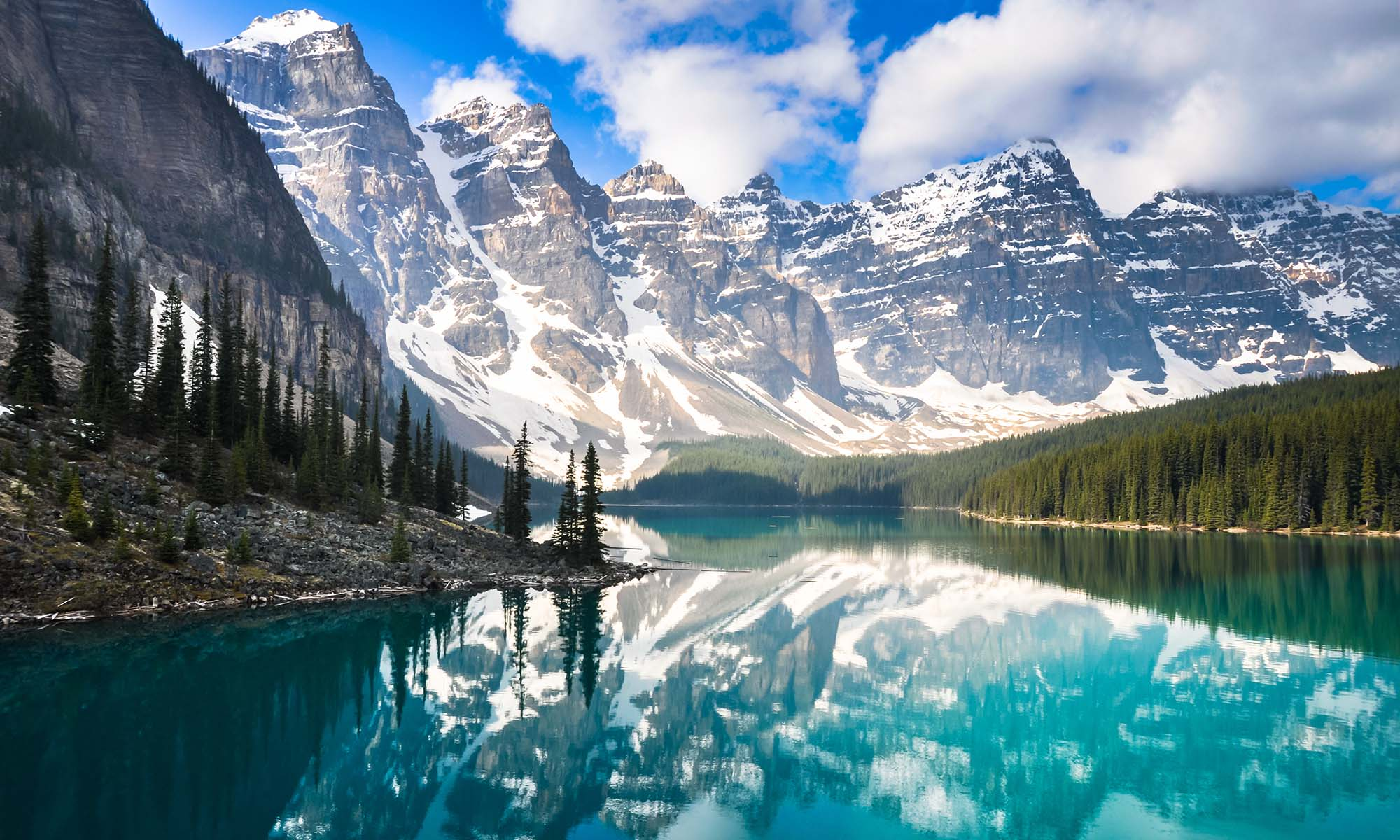 car hire rentals canada lake and mountains